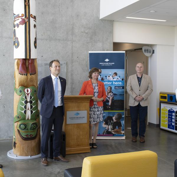 From left, Armin Saatchi, VIU graduate student; Adam Walker, MLA for Parksville-Qualicum; Sheila Malcolmson, Minister of Mental Health and Addictions; Dr. Chris Gill, Co-Director of the Applied Environmental Research Laboratories; and Dr. Deborah Saucier,